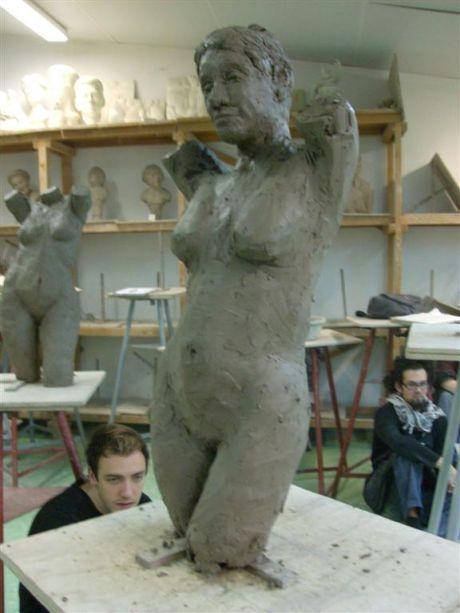 Buste féminin (trois-quarts face gauche)